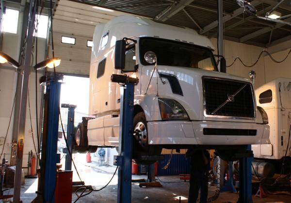 Ремонт подвески грузовика