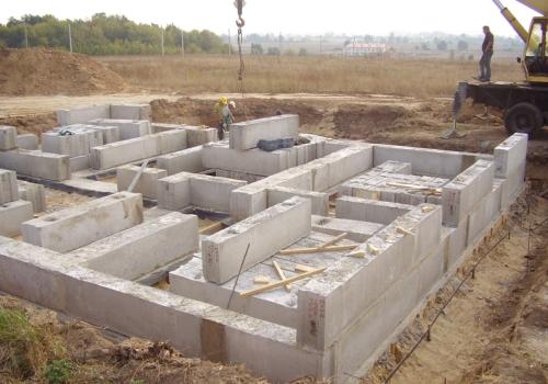 Строительство фундамента из блоков в Великом Новгороде